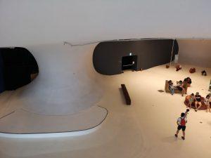 台中オペラハウス,床壁天井が切れ目ない