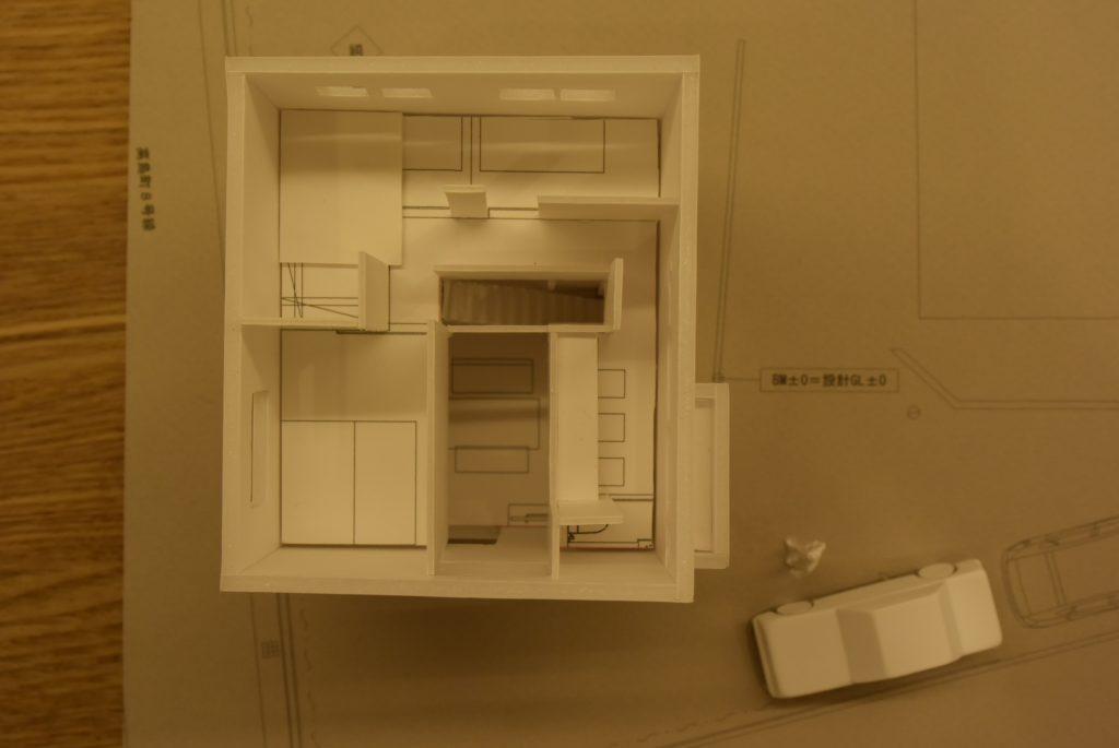 木の家 模型 内観