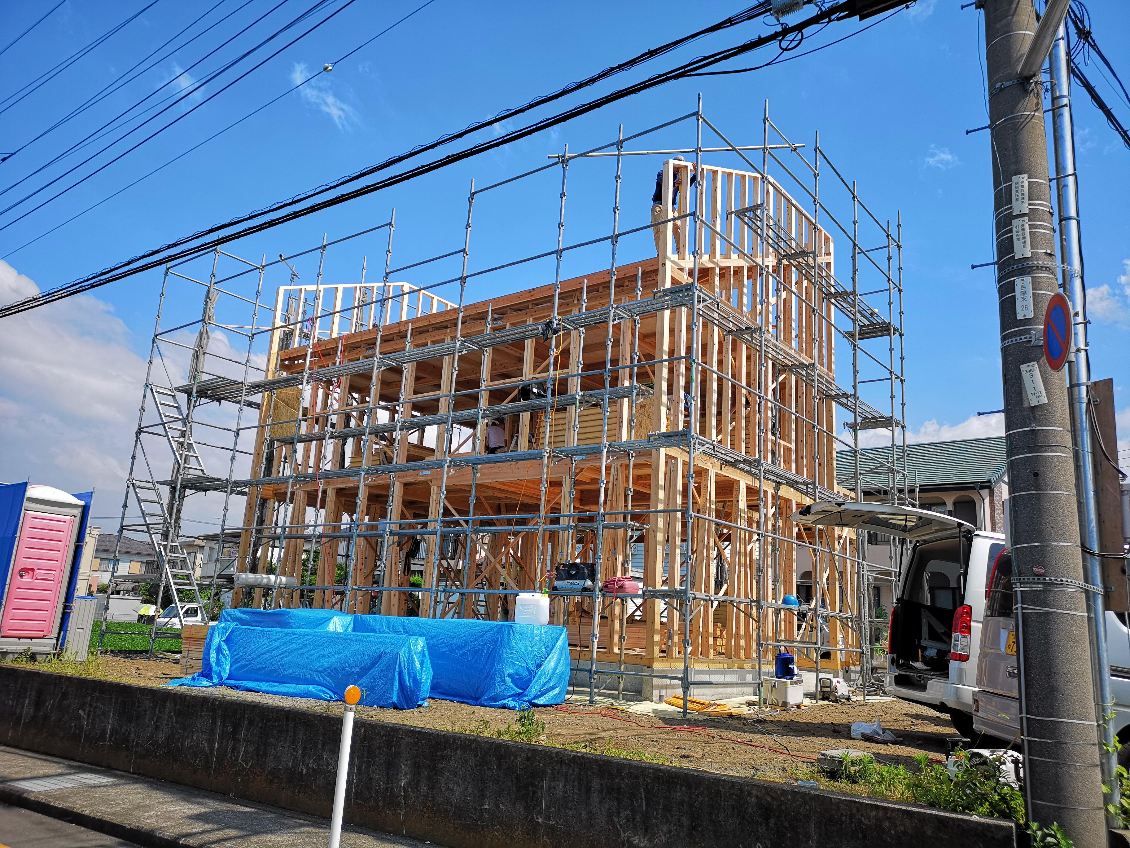 富士市で建てる木の家 ガレージのある家 OMソーラーの家